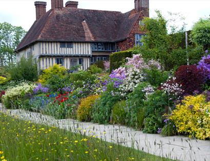 The Long Border at Great Dixter, Northiam, near Rye. © Carol Casselden