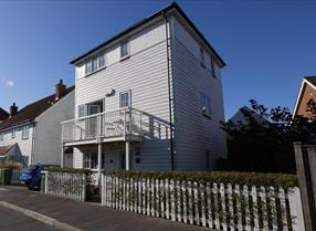 External view of The Salty Dog, self catering accommodation in Camber, East Sussex